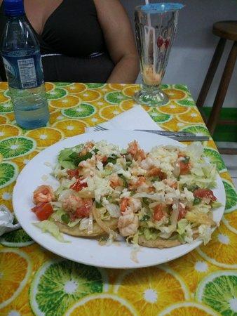 Waruguma: Huge serving of shrimp tostadas
