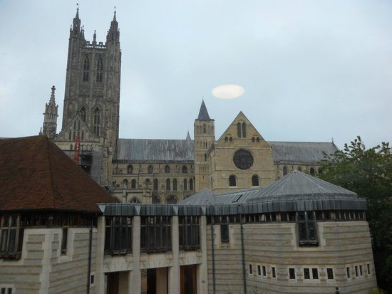 Canterbury Cathedral Lodge : Daytime view from window