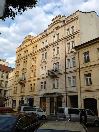 The Maximilian Hotel.