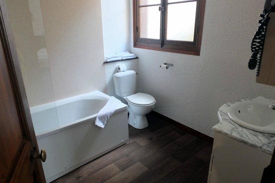 La Potiniere du Lac: la salle de bains