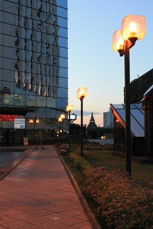 Beta Hotel Izmailovo : Рядом с гостинецей