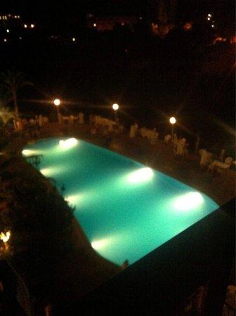 HSM Canarios Park: Main pool at night