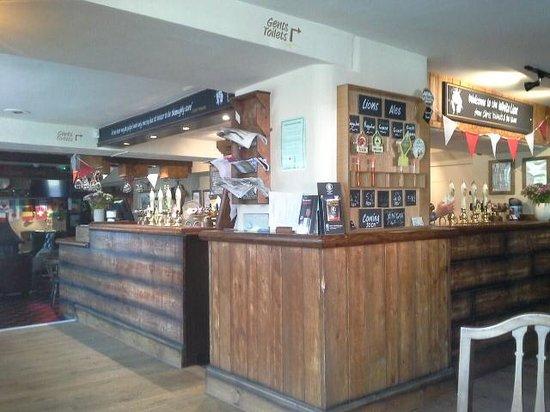 The White Lion Inn: Bar in White Lion Inn