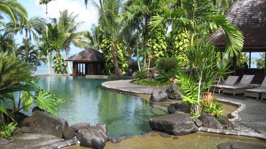 Sinalei Reef Resort & Spa : Poolside