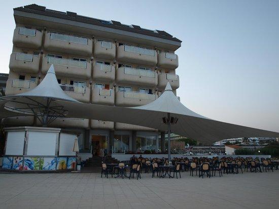 Hotel Caprici: Otoczenie hotelu