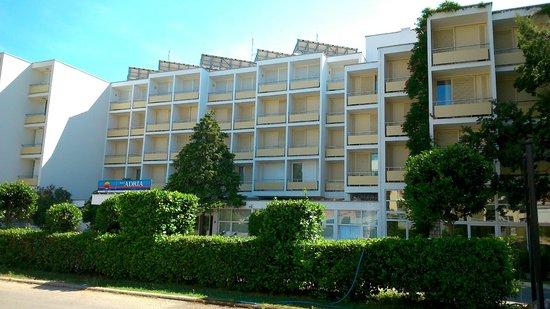 Hotel Adria: vue de l'entrée de l'hôtel