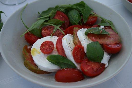 La Rotonda Sul Mare: Капрезе на завтрак