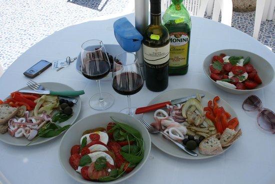 La Rotonda Sul Mare: Обед на террасе в отеле