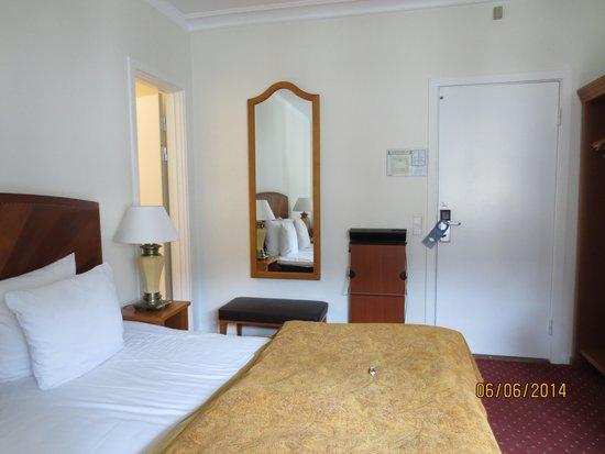 Best Western Hotel Hebron: Room 330