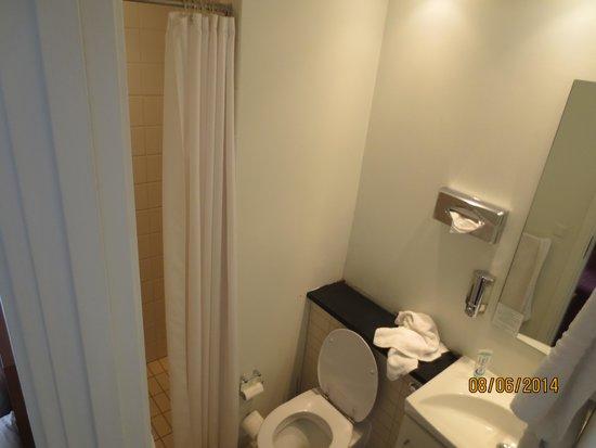BEST WESTERN Hotel Hebron: Bathroom