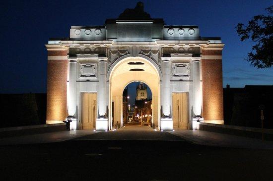 Menin Gate Memorial: Menin Gate at Night
