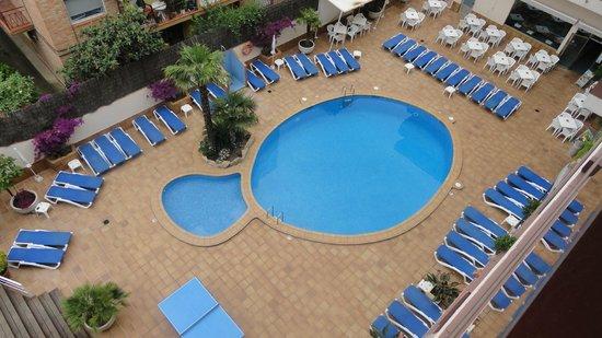 Aqua Hotel Promenade : Бассейн рыбка