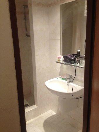 Globus: Ванная комната