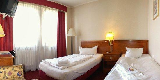 Georghof Hotel Berlin: Zweibettzimmer/Twinbett room