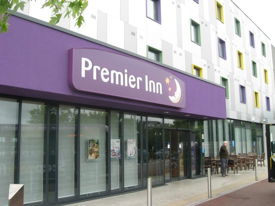 Premier Inn London Stansted Airport Hotel: Entrance