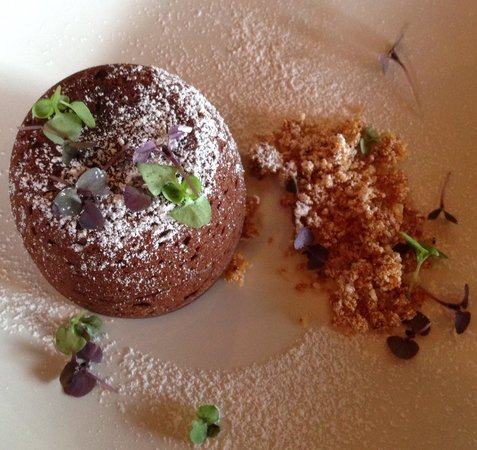 Brickmakers Arms: Warm chocolate fondant
