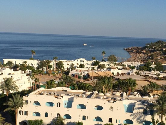 Domina Coral Bay Oasis: Room view with beach and Harem