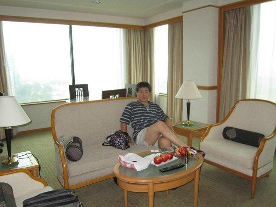 Renaissance Riverside Hotel Saigon: ソファー