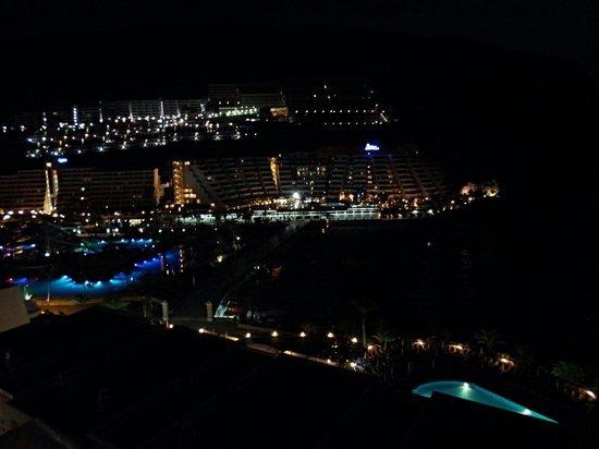 Taurito Princess: View from room 911 at night