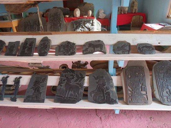 Tanah Mayan Art Museum : more slate