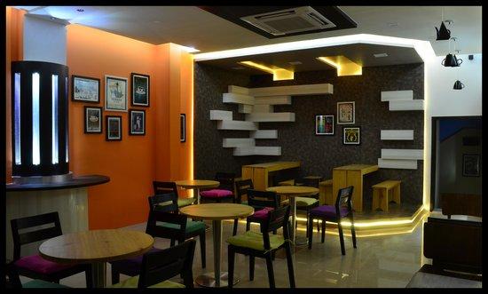 The Cafe Lounge: cafe
