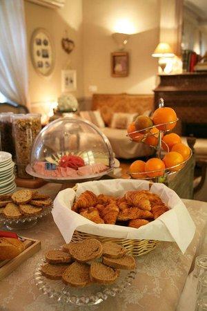 Hotel Villa Rivoli : Buffet Breakfast, Petit Déjeuner Buffet