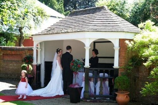 Hawkwell House Hotel: Outdoor Ceremony
