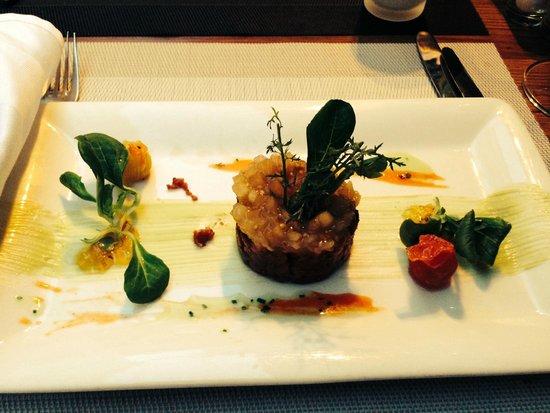 Weibel's Wirtshaus : Beef Tartar with avocado