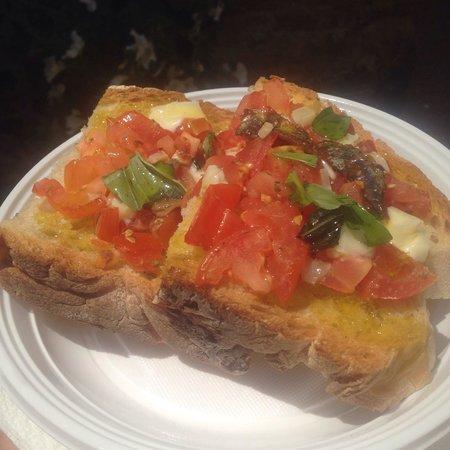 La bruschetteria pane e pomodoro: Best bruchetta ever!