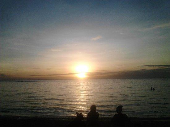 Salad Beach: sunset at my way bungalow...