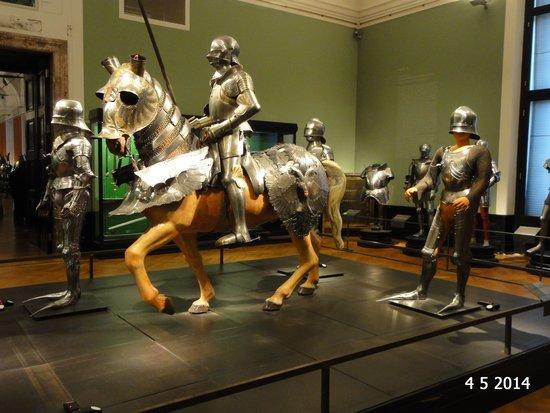 Neue Burg: Horse and body armour
