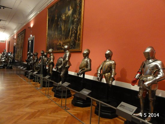 Neue Burg: One of the many armour rooms