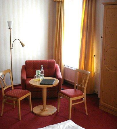 Hotel Schlossblick: Zimmer/ Sitzecke