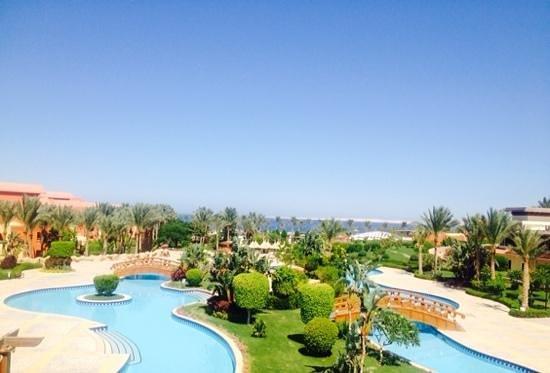 Sharm Grand Plaza: lazy pool... beautiful view