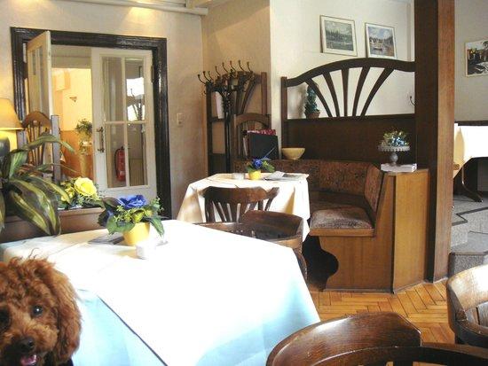 Hotel Schlossblick: Aufenthaltsraum/Bar