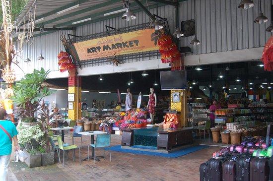Kuta Art Markets: the entrance