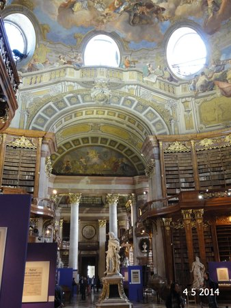 Prunksaal der Österreichischen Nationalbibliothek: The amazing ceiling and some of the books on display
