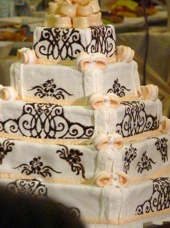 Tort Nunta Picture Of Cofetaria Tosca Roman Tripadvisor
