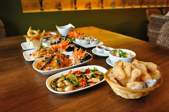 Tiien Thai Restaurant: A mix of Tiien starters and mains