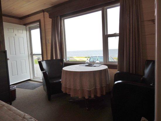 Motel du Haut Phare : Chambre et vue