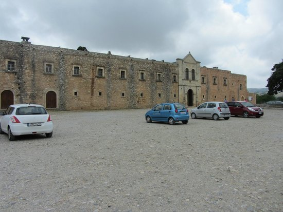 Sacred Monastery of Arkadi: Вид со стоянки
