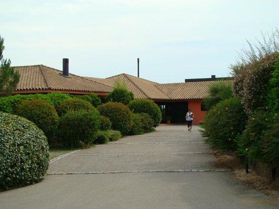 Torremirona Golf & Spa Resort: Entrada hotel