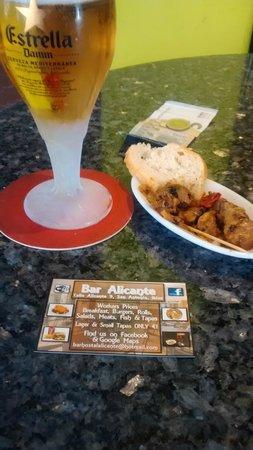 Hostal Adelino: Bar Alicante