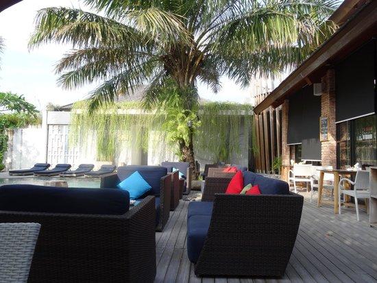 Maca Villas & Spa: Pool area