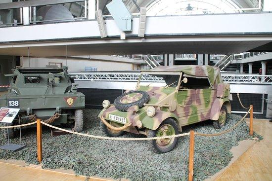 Musée royal de l'armée et de l'histoire militaire : scénette kubelwagen