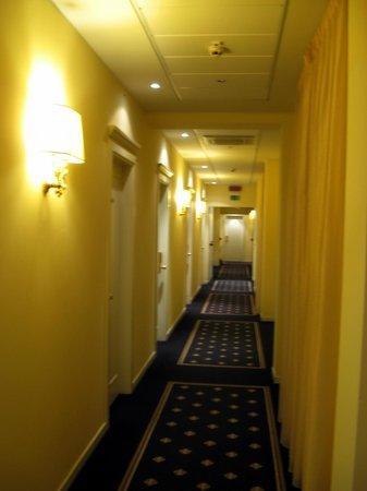 Savoia Hotel Regency : corridoio