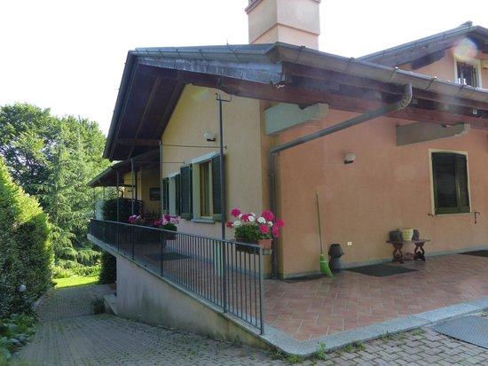 Lo Scoiattolo e la Noce : Second entrance and entrance to breakfast room