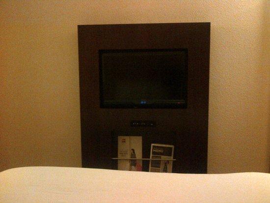 Ibis London Blackfriars : Room 128 - nice TV