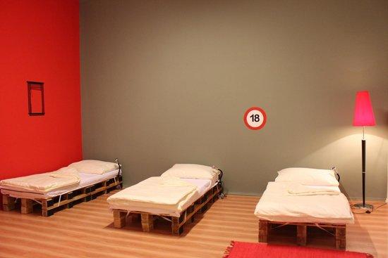 Amazing Hostel : Amsterdam room-5 bed Mixed Dorm