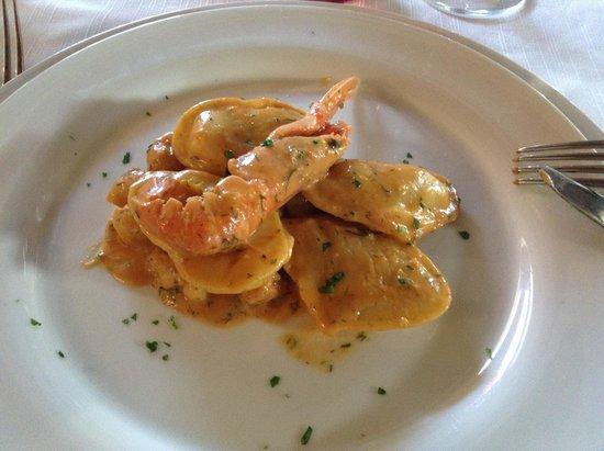 Silva Suri: Prova menù nuziale - cuoricini di pesce con crema di scampi